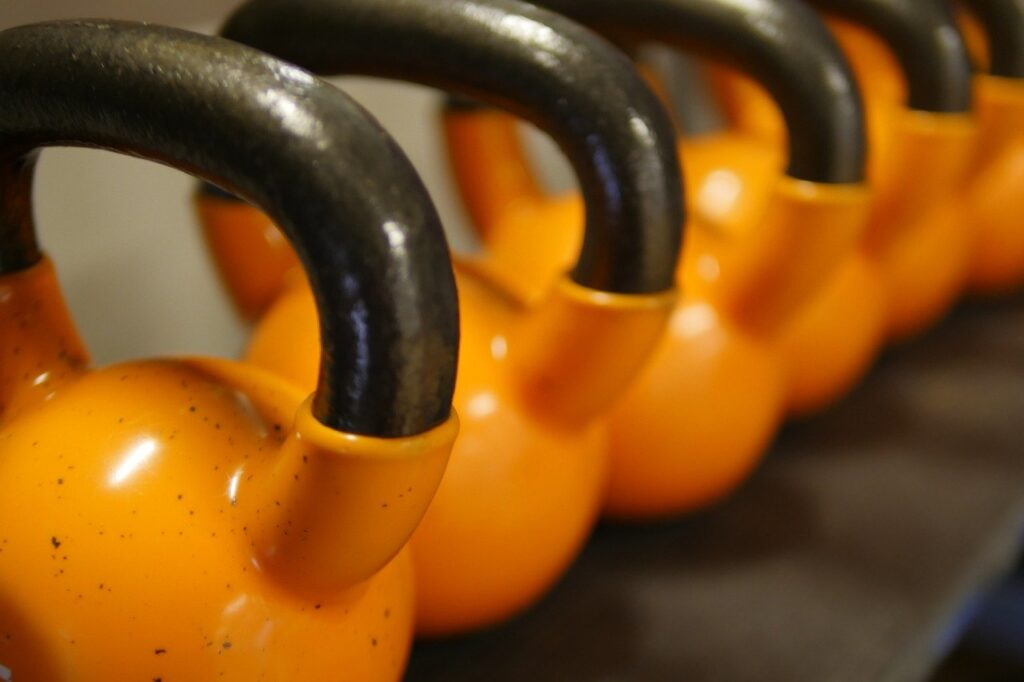 lifting heavy weights kettlebells
